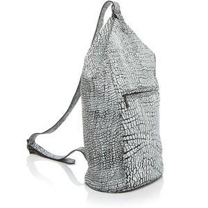 MR. Women's DYLAN SLINGBAG Black/White Backpack